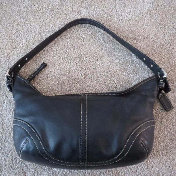 d22d5d915e Vintage COACH Black Leather Medium Hobo Purse
